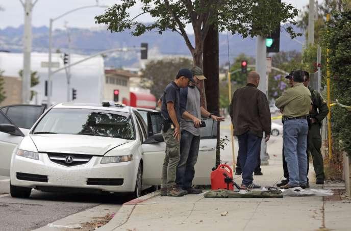 Du matériel et des armes trouvés dans la voiture d'un homme arrêté disant qu'il était dans le quartier pour la Gay Pride de West Hollywood, à Santa Monica, le12juin2016.