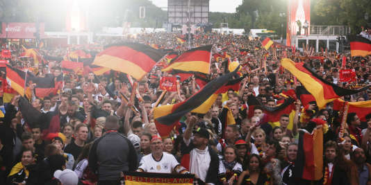 Des supporteurs allemands à Berlin, le 12 juin.