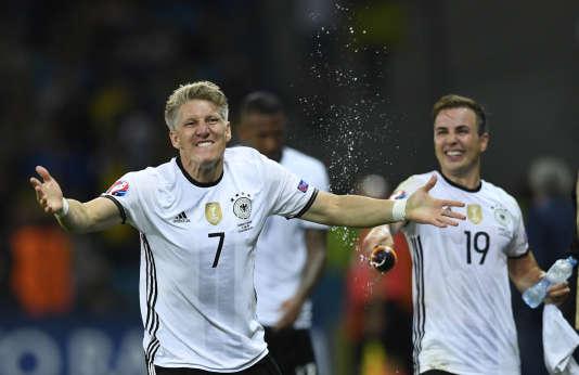 L'AllemandBastian Schweinsteiger, auteur du second but contre l'Ukraine, dimanche 12 juin au stade Pierre-Mauroy à Villeneuve-d'Ascq.