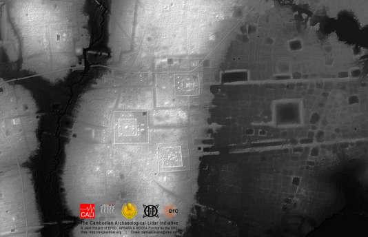 Cartographie au laser de la cité préangkorienne de Sambor Prei Kuk, montrant les champs de bosses ou tertres dont la fonction est inconnue.