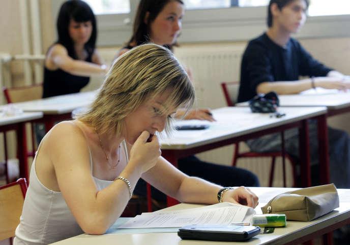 Une candidate au baccalauréat, à Marseille, en juin 2006.
