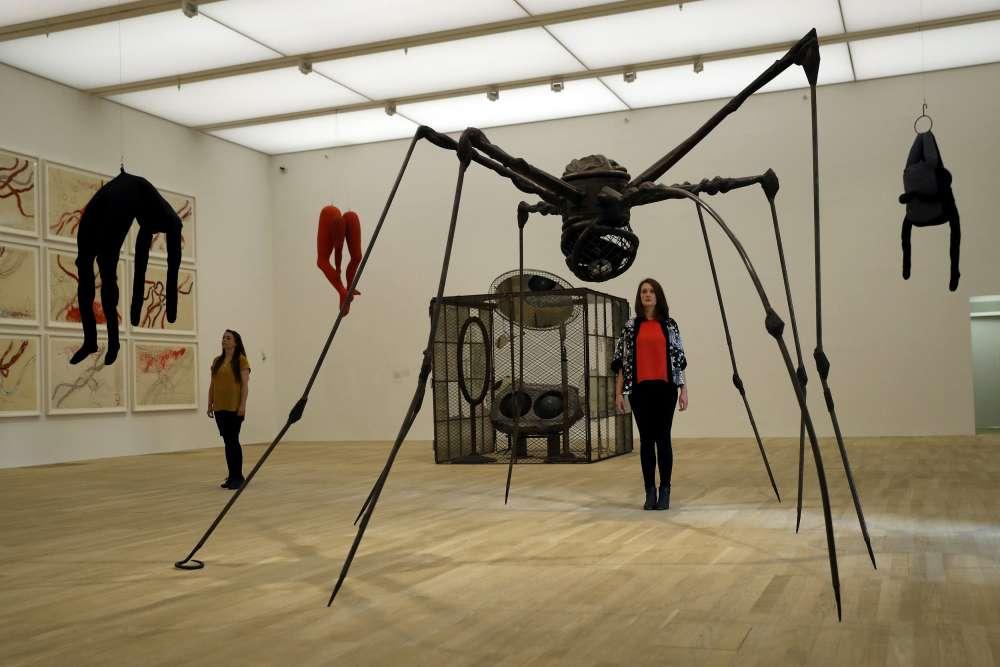 L'établissement a aussi décidé d'acheter et de montrer davantage d'œuvres de femmes (50 % des œuvres exposées contre 17 % auparavant)– ici, «Spider », de Louise Bourgeois.
