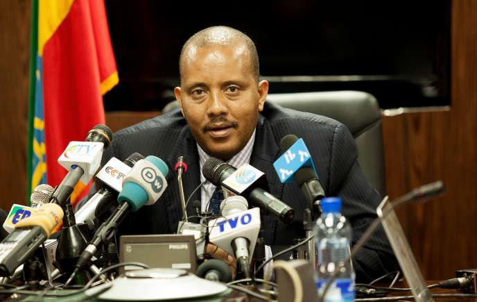 Le ministre éthiopien des affaires étrangères Getachew Reda lors de sa conférence de presse à Addis-Abeba après les heurts qui ont opposé des soldats erythréens et éthiopiens à Tsorona le 14 juin 2016.
