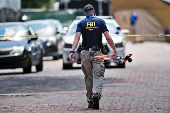Un membre du FBI, à Orlando le 13 juin.