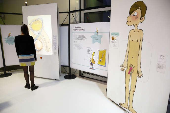Dans les salles de«Zizi Sexuel l'expo», conçue par la Cité des sciences et de l'industrie avec Zep et Helène Bruller, en octobre 2014.
