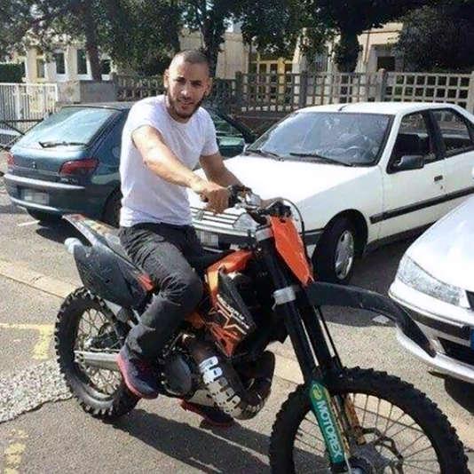Une image de Larossi Abballa extraite de son profil Facebook le 14 juin, et diffusée par l'agence de presse AFP. Le profil de Larossi Abballa a depuis été désactivé.