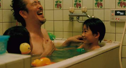 Riri Furanki et Keita Ninomiya dans une scène de« Tel père, tel fils» (prix du jury au Festival de Cannes 2013).