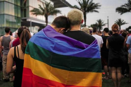 Le 13 juin, à Orlando (Floride), durant un hommage aux victimes de l'attentat perpétré la veille dans le club gay le Pulse.