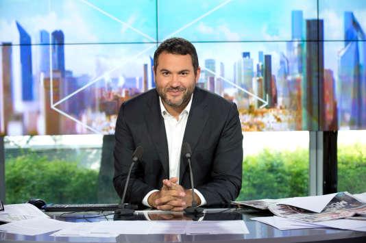 Nouveau visage de France 5, Bruce Toussaint va animer le week-end« C dans l'air» ainsi qu'un magazine politique dont le nom n'a pas été dévoilé.