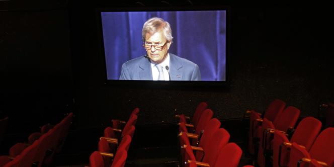 La salle de cinéma Canal Olympia est dédiée à la projection de films et à l'organisation de concerts.