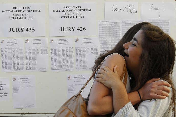 L'annonce des résultats du bac à Nantes, le 5 juillet 2011.