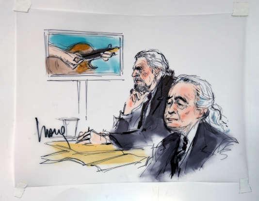 Le chanteur du groupe britannique Led Zeppelin, Robert Plant (à gauche) et le guitariste Jimmy Page lors de l'ouverture du procès pour plagiat concernant la chanson« Stairway to Heaven», le 14 juin à Los Angeles, Californie.
