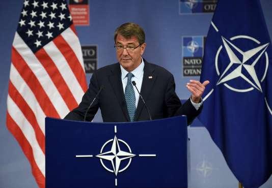 Le ministre de la défense américaine, Ashton Carter, a donné une conférence de presse à l'occasion de la réunion de l'OTANà Bruxelles.