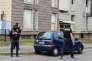 Perquisition aux Mureaux (Yvelines), à la suite de l'assassinat de deux policiers à leur domicile par le terroriste présumé Larossi Abballa.