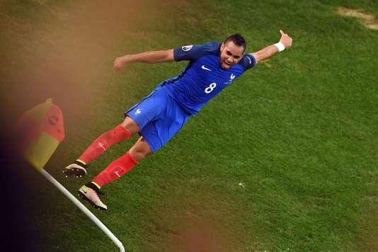 Dimitri Payet, mercredi 15 juin, au Stade-Vélodrome, après avoir inscrit, dans les arrêts de jeu, le but du 2-0 contre l'Albanie.
