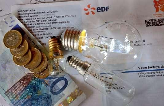 La Commission de régulation de l'énergie (CRE) a annoncé, lundi 27 juin, qu'elle proposera mi-juillet une baisse d'« environ 0,5 % » du tarif réglementé.