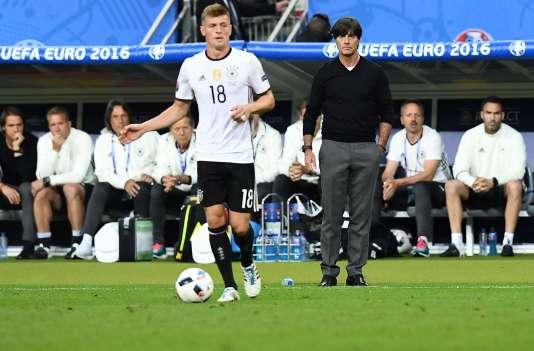 Toni Kroos lors du match Allemagne-Pologne, le 16 juin, au Stade de France.