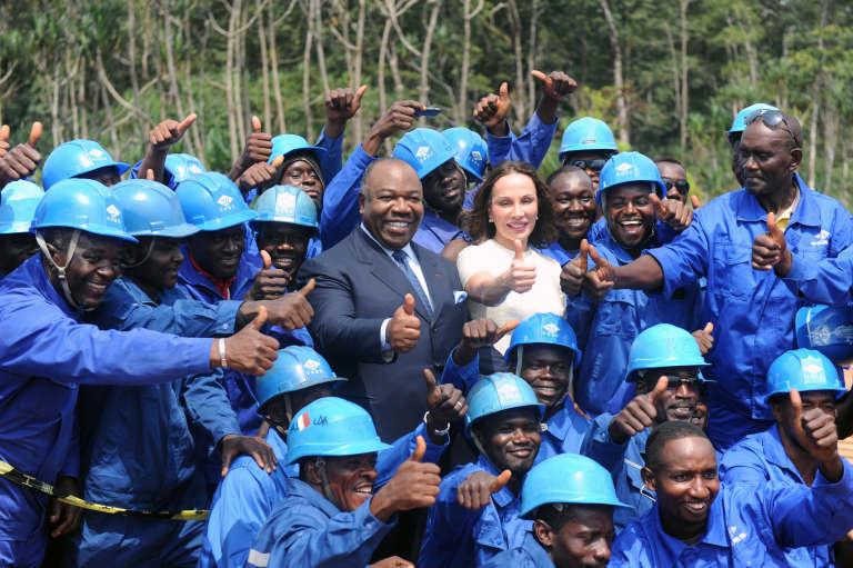 Le président gabonais Ali Bongo Ondimba et son épouse Sylvia, en février à Port-Gentil.