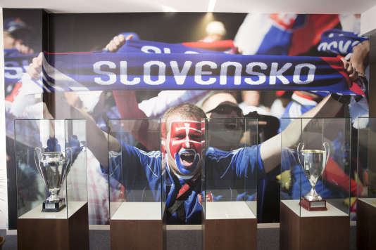 A Bratislava, la salle des trophées de la fédération slovaque.