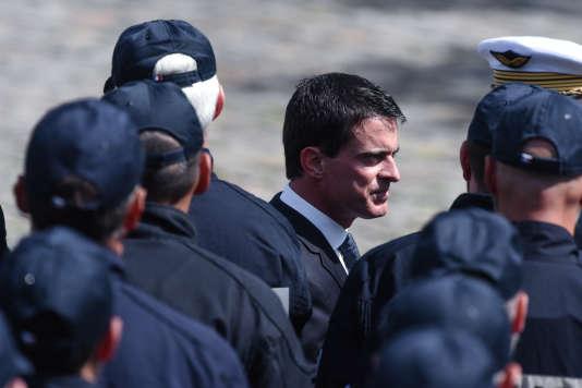 Le premier ministre Manuel Valls, le 17 juin, lors de la cérémonie d'hommage national aux deux policiers assassinés à Magnanville.
