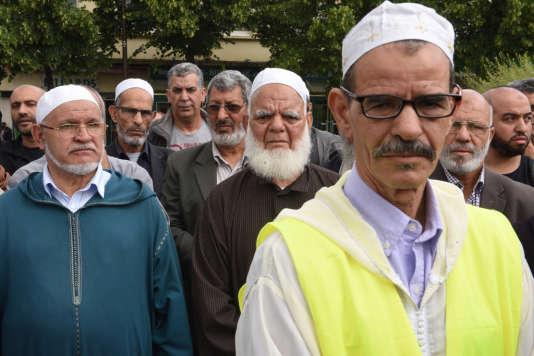 Des membres de la communauté musulmane sont venus assister à la marche à Mantes-la-Jolie.