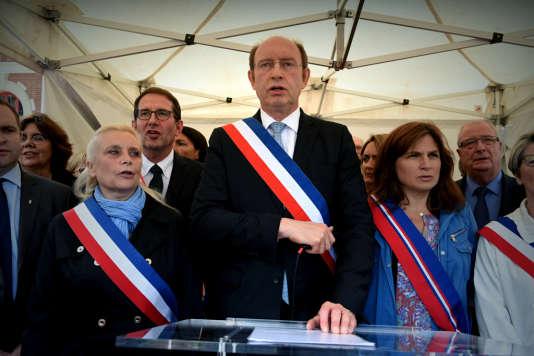 «Nous devons être solidaires avec les forces de l'ordre, peu importe nos origines ou notre couleur de peau», a déclaré Michel Vialay, maire de Mantes-la-Jolie, le 18 juin.