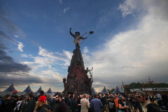 Le monument érigé à la mémoire de Lemmy Kilmister, sur la toute nouvelle scène Warzone, vendredi 17 juin au festival Hellfest à Clisson.