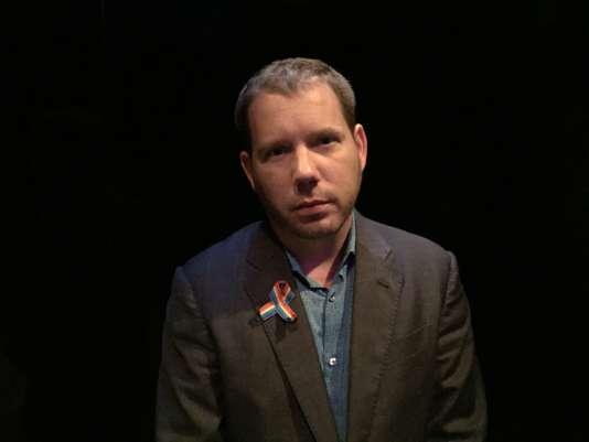 Cliff Bleszinski, créateur de jeux vidéo de tir, partisan du contrôle des armes.