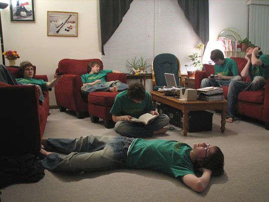 Pendant le week-end du bac, il est préconisé de se reposer sans perdre sa concentration. FlickR (CC BY 2.0)