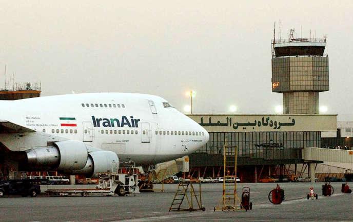 Un Boeing 747 d'Iran Air sur l'aéroport de Teheranen 2003.