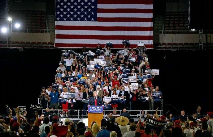 Le candidat républicain à l'élection présidentielle américaine,Donald Trump, lors d'un meeting le 18 juin 2016 àPhoenix, dans l'Arizona.