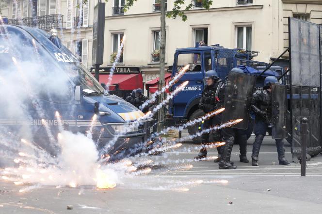 Affrontement entre policiers et manifestants, le 17 mai pendant une manifestation contre la loi travail.