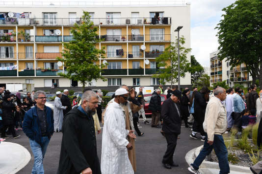 Marche à Mantes-la-Jolie, dimanche 19 juin, à l'appel du collectif des mosquées du Mantois, à la mémoire des deux policiers assassinés à Magnanville.