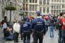 Patrouille de police sur la Grand-Place de Bruxelles, le 19 juin 2016.