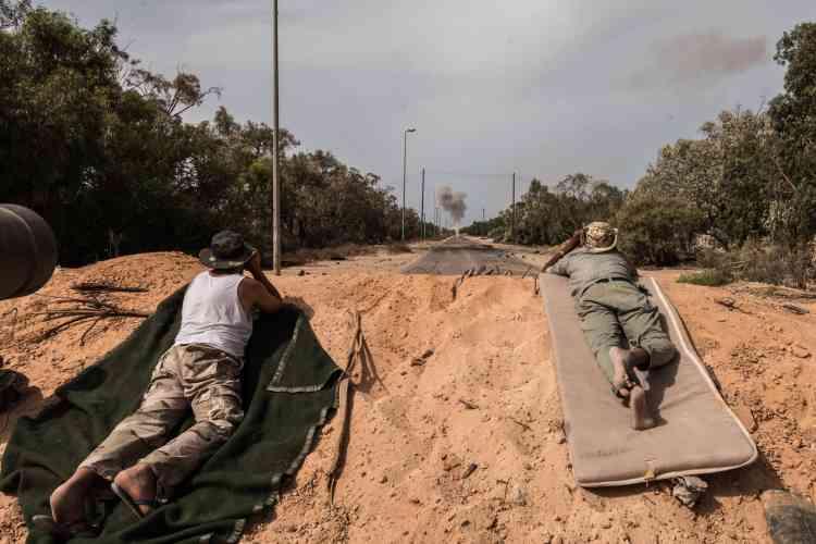Les combattants de la ville de Misrata sont en première ligne, le 19 juin, dans cette offensive à Syrte contre l'EI.