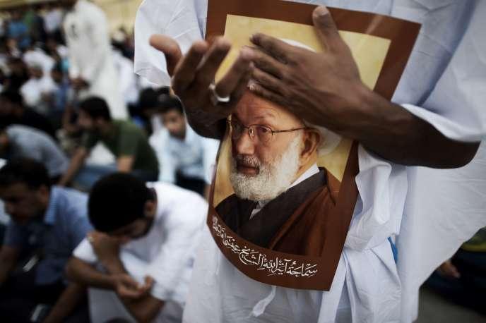 Lors d'une manifestation de soutien àIssa Qassem, dignitaire religieux déchu de sa nationalité, le 20 juin, à Diraz (Bahreïn).