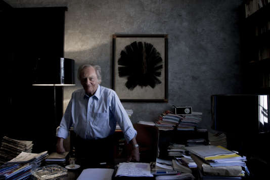 Philippe Tesson dans son bureau parisien.