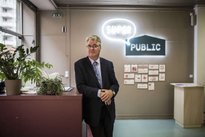 Jean-Paul Delevoye, en mai 2016, dans les locaux de Superpublic, à Paris, un espace consacré à la « transformation de l'action publique ».