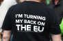 Tee-shirt d'un partisan du «Brexit»portant la mention« Je tourne le dos à l'UE».