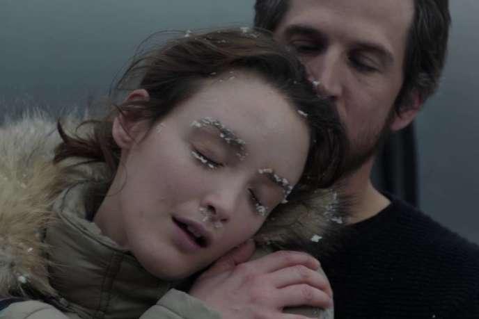 Charlotte Le Bon et Guillaume Canet dans le film français de Marie Madinier, « Le Secret des banquises».