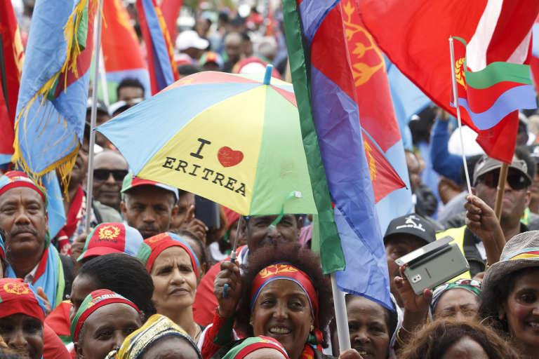Des partisans du gouvernement érythréens manifestent à Genève, le 21 juin.