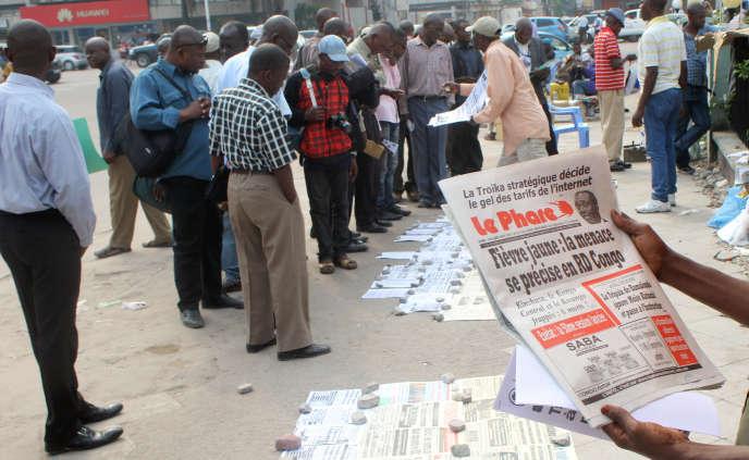 La crainte d'une extension de l'épidémie de fièvre jaune au Congo fait la« une» des journaux.