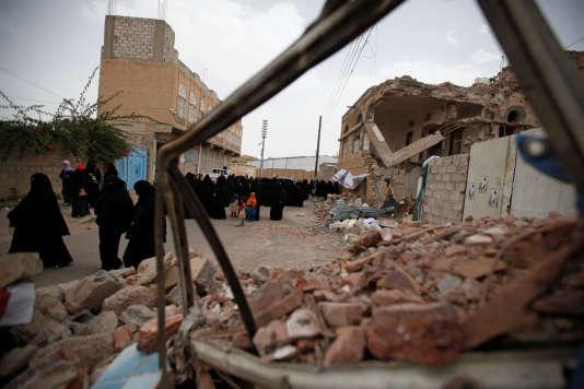 Le conflit a fait plus de 6 400 morts et 30 000 blessés depuis l'intervention de la coalition arabe en mars 2015.