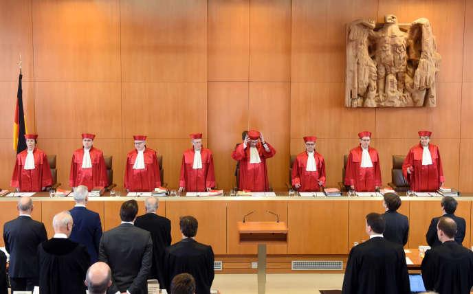 Les juges du Tribunal consitutionnel allemand de Karlsruhe, le 15 mars