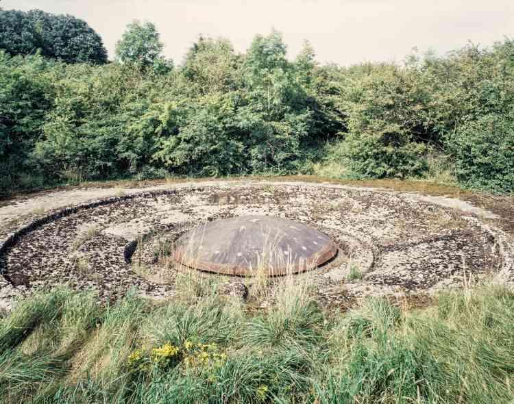 Ouvrage de Sœtrich (Moselle). La tourelle cuirassée du bloc4 est équipée d'un canon de 135mm.