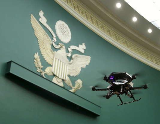 Un drone en démonstration au siège du Congrès américain, le 19 novembre 2015.