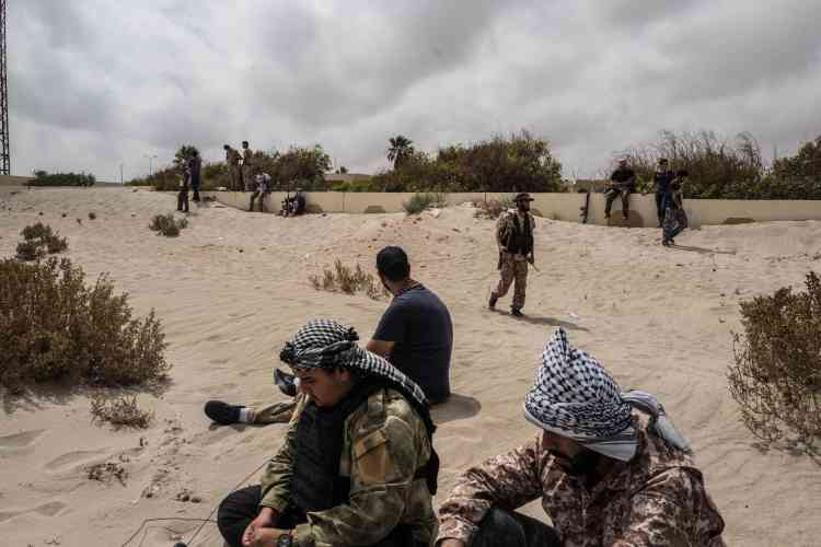 Les combattants de Misrata avancent sur la bande côtière de Syrte.