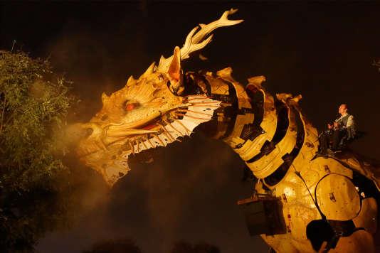 Un des chevaux-dragons conçu par François Delarozière.