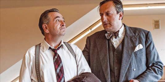 Jean-Yves Lafesse a gauche (Pierre Dac) et Olivier Massart (Jacques Duchesnes).