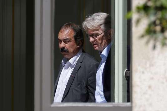 Philippe Martinez (CGT) et Jean-Claude Mailly (FO) au ministère de l'intérieur, le 22 juin.